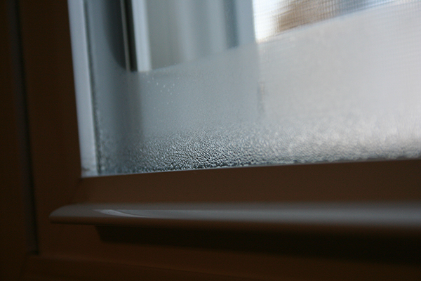 Condens binnenkant dubbel glas verhelpen | Glasambulance